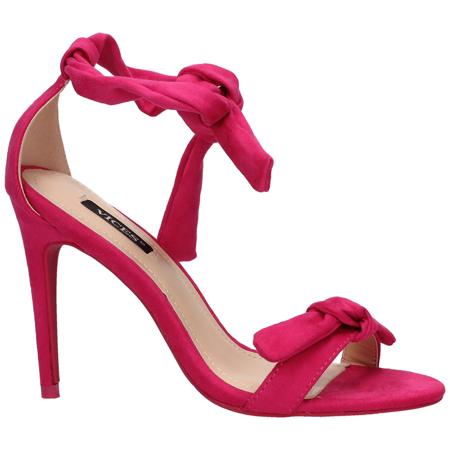 Malinowe sandały na szpilce
